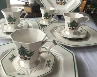 Nikko Christmas Dinnerware Set Service for 4 includes 12 Pieces