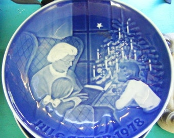 30% Off Storewide 1978 Bing and Grondahl Made in Denmark Collector Plate A Christmas Tale