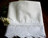Pillowcase, Vintage Single, Twin bedding, Shabby chic, Cottage chic, Girls room, Standard size pillowslip, Guest bedding, pillowslip
