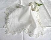 Vintage Handkerchief - Woman's Hankie - White Cotton - Lace Edged Handkerchief - Wedding Handkerchief - Ladies Dress Hankie - Lace Hankie