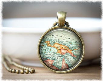 Papua New Guinea Map Necklace • Map Jewelry • PNG Vintage Map Pendant • Travel Necklace