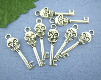 10 pieces Antique Silver Skull Key Charms