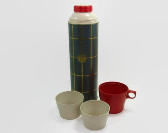 Thermos Quart Vacuum Bottle Gray and Gold Plaid with Glass Liner 3 Cups, Hot or Cold Beverage Server, Camping Picnic