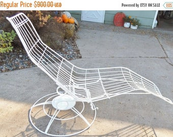 ON SALE 1960'S, Homecrest, Wire, Chaise, Eames Era, Siesta Chaise, Metal, White, Vintage, Mid Century Modern, Swivel Rocking, Adjustable, Ch