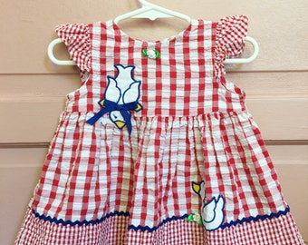 Vintage red gingham dress with ducks and ric rac / vintage dress / summer dress / size 12M