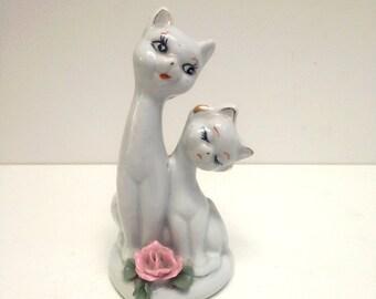 Big Eyed Cat Kitten pair Chalkware figurine