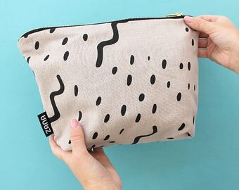 Waves Stone Toiletry Bag - Cosmetics Bag - Travel Bag - Pink, Yellow or Black