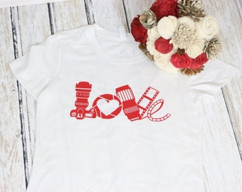 Photographer Camera Love- Photographer gift - Camera T shirt - Love Pictures Shirt - Holiday gift for Photographer