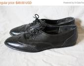 Sale Vintage Black Leather Oxfords / 1980s Leather Oxford Flats / 1980s Vtg Oxfords / Vintage Leather Flats 6.5/7