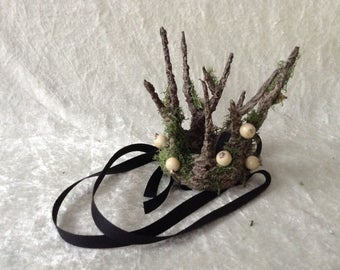 Crown - Extra Small, handmade branches  Crown with mos and white berries(tree imitation)