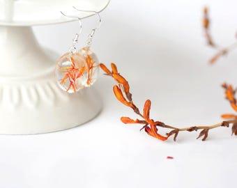 Orange dangle earrings - Halloween earrings - Orange earrings - Resin earrings - Natural flower inside - flower earring - Botanical earrings