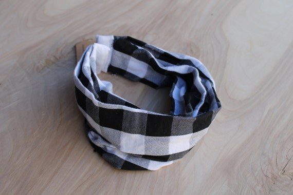 Baby infinity scarf bib- buffalo plaid black and white-  gender neutral baby scarf- scarf bib- hipster baby- circle scarf drool bib