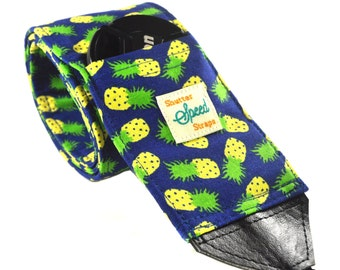 DSLR Camera Strap with Lens Pocket - The Pineapples