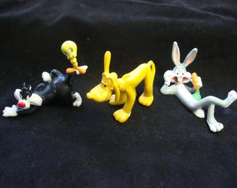Disney Lot of Figurines Bugs Bunny Pluto and Sylverter Tweetie Bird Free Shipping