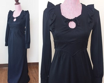 Vintage 1970s Dress / Vintage Maxi Dress / 70s Black dress / Ruffles / Keyhole décolletage