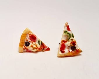 Pizza earring - Pizza supreme studs - pepperoni, cheese, peppers, mushroom & olives - Pizza earrings - polymer clay earrings - Junk food