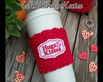 Crochet coffee cup cozy, with felt Hugs and kisses  applique , made with 100% cotton. Crochet coffee sleeve, crochet coffee cozie