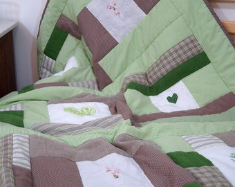 Patchwork blanket heart green-and white cross stitch