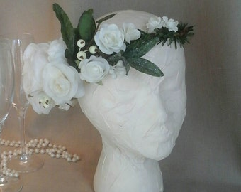 Winter Holiday White Rose Bridal Crown