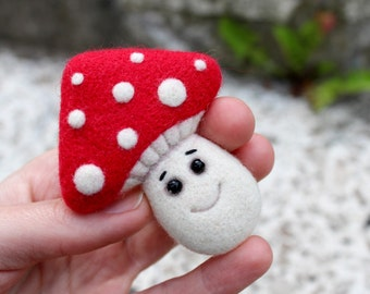 Needle FELTED AMANITA BROOCH. Toadstool felt brooch. Handmade Accessories for kids
