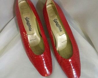 Shop closing Vintage red pumps Red snakeskin shoes Espanola snakeskin shoes size 7m