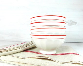 4 French cafe au lait bowls, latte bowls, breakfast bowls, white cafe au lait with red rims, French dinnerware, French country decor.