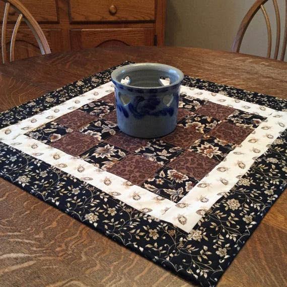 Quilted table topper, table topper, quilted topper, quilted table mat, quilted candle mat, candle mat