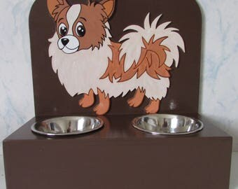 Door in wood for small dog bowls
