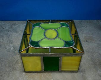 Vintage Stained Glass Flower Trinket Box or Jewelry Box - 4 Leaf Clover Design