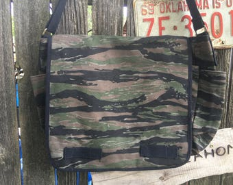 Canvas Laptop Messenger Bag, Camo, Cross Body,Shoulder Bag,iPad Bag,Carry All, Large Tote Bag, Laptop Bag, School Bag,Travel Bag, tote bag