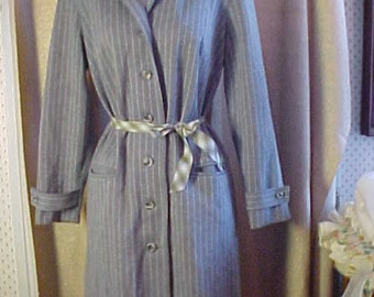 Vintage Grey & White Stripe  Button Down Front  Dress, Med, Belt does not go with dress.   #2138