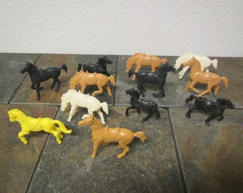 """12 vintage Toy Plastic Horses , *Black, brown , white and yellow horses from the 1950s or 60s 2  1/2 """" to 3  1/2 """" tall"""