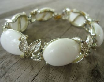 White Beaded Bracelet with Leaf Motif