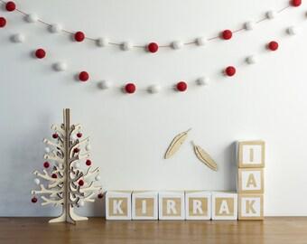 Red White Christmas Garland, Holiday Felt Ball Garland, Traditional Christmas Decor, Christmas Tree Garland, Christmas Gift, Red White Decor