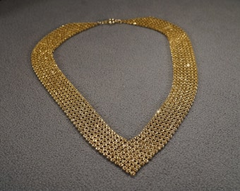 Vintage Retro Style Yellow Gold Tone Mesh Design V Design Necklace Jewelry -K#35