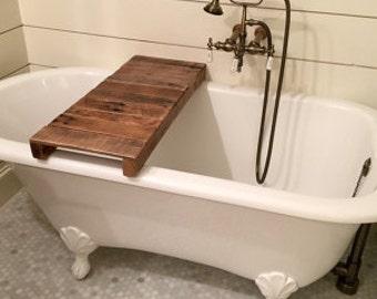 Badewanne rustikal angenehm auf moderne deko ideen plus for Tablett badewanne