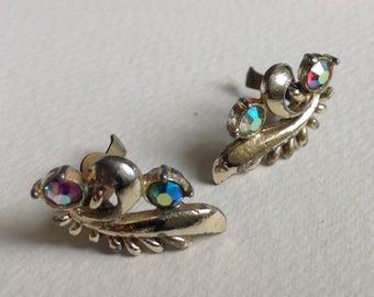 Vintage Green Aurora Borealis Flower Stud  Earrings  - Gifts for Her
