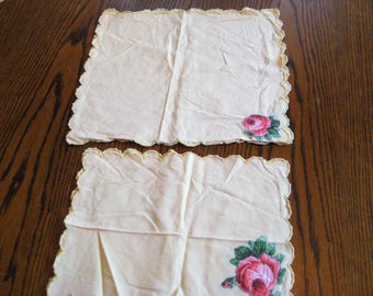 Pale yellow doily set, pink applique roses, scalloped border, vintage hand made, shabby cottage chic decor, farmhouse decor