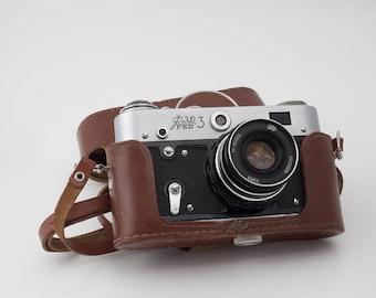 Fed 3,  Soviet rangefinder camera w. I-61 f2.8/53mm M39/L39 rangefinder lens
