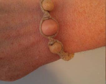Hemp bracelet with wooden beads