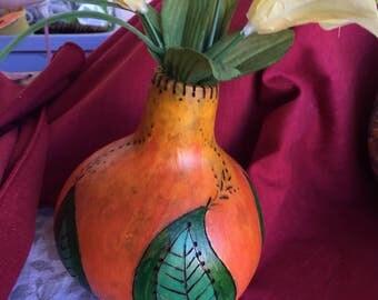 Painted leaf gourd vase