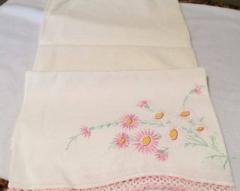 "Vintage Embroidered Pink & White Daisy Pillow Case 20.5"" x 29"""