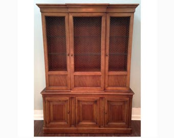 Mid Century Drexel Heritage Breakfront China Hutch Cabinet