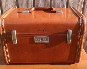 Vintage Royal Travel Luggage, Train Case