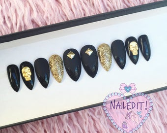 NAILED IT! Hand Painted False Nails - Grunge Skulls