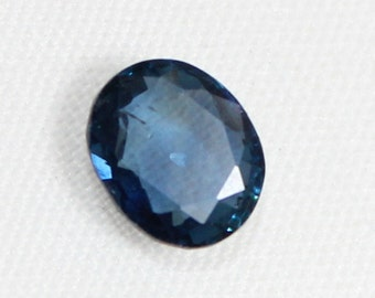 1.75 carat Natural Blue Sapphire  faceted cut loose gemstone size 7.85 mm x 5.40 mm x 4 mm approx. 0005