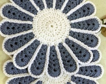 Flower Potholders, Crochet Potholders, house warming, for the kitchen, gift for her