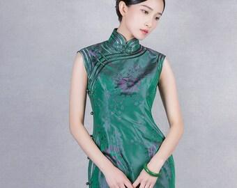 Elegant Silk Qipao Dress W/ Classic Peking Binding Ink Green