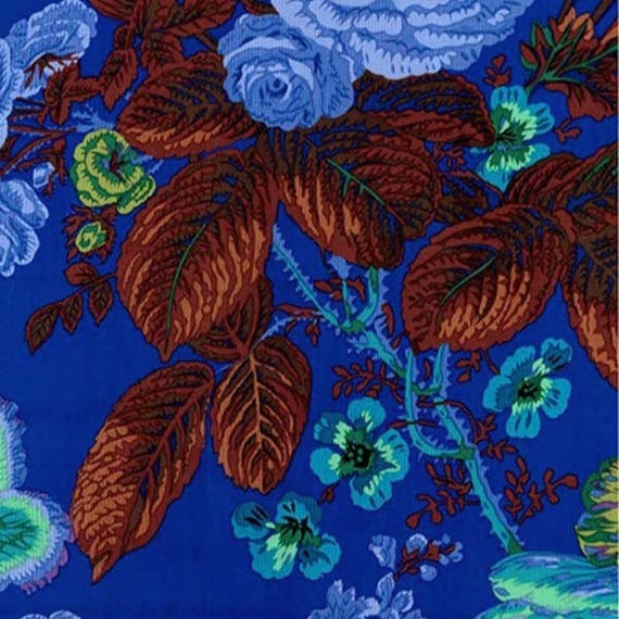 SUMMER BOUQUET BLUE pwpj086 Philip Jacobs for Kaffe Fassett Collective Sold in 1/2 yd increments