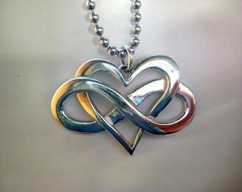 Infinite heart pendant in sterling silver